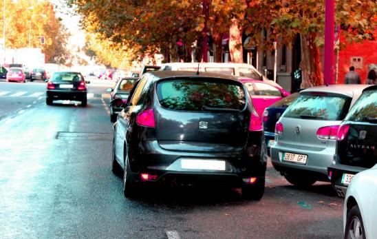 aparcar doble fila